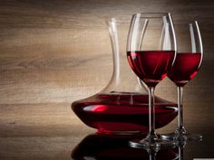drink-red-wine-glass-background.jpg (4096×3072)