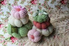I recently viewed a set of crocheted pumpkins on the web that were absolutely gorgeous! Unfortunately there was a language barrier that goo...