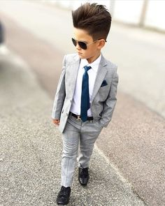 Best Curated Kids Wear and Accessories Online Stylish Little Boys, Stylish Kids, Stylish Baby, Boys Dress Outfits, Baby Boy Outfits, Kids Outfits, Designer Kids Wear, Designer Kids Clothes, Cute Kids Fashion