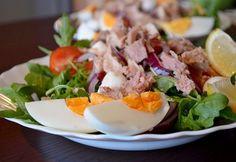 Mozzarella, Cobb Salad, Eggs, Beef, Baking, Breakfast, Ethnic Recipes, Food, Meat