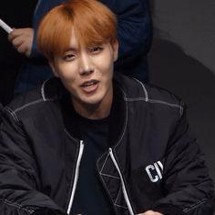 BTS J-Hope gif    Jung Hoseok @rinakookie