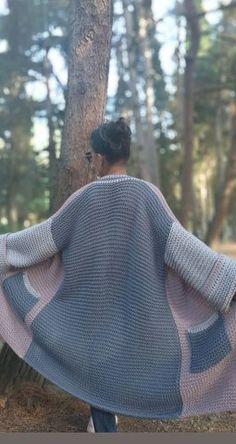 New Crochet Shawl Tutorial Pictures 34 Ideas Crochet Baby Cardigan, Knitted Coat, Crochet Cardigan, Crochet Scarves, Crochet Shawl, Crochet Clothes, Easy Crochet, Knit Crochet, Shawl Patterns