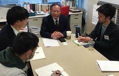 大学生からの取材を受ける全療協の森会長=1月9日、東京・虎ノ門にある日本財団で