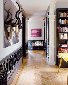 9 Simple and Impressive Ideas: Wainscoting Foyer Interior Doors traditional wainscoting stairs.Wainscoting Kitchen Farmhouse wainscoting measurements home. Picture Frame Wainscoting, Beadboard Wainscoting, Wainscoting Nursery, Dining Room Wainscoting, Wainscoting Styles, Wainscoting Panels, Home Interior, Interior And Exterior, Madrid