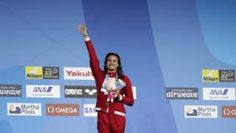 Kylie Masse won gold in the backstroke at the 2017 FINA World Championships in Budapest on Tuesday, breaking the longest-standing women's world record in the process. Canada's firs… Olympic Sports, Olympic Team, Bye Bye, 100m, Summer Olympics, World Records, World Championship, Canada, Is 11