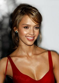 If you are looking for Jessica Alba's hair styles, check it out here. Here are some great pictures of hairstyles from Jessica Alba. Jessica is a well known for kinds of movie roles and her sense of fashion, and she is a perfect style icon. This pretty superstar gets her hair styles just right along …
