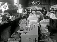 History in Photos: Frederick Nelson Jones. Hospital supplies being packed and sent to Egypt and England from the Nelson Red Cross depot, ca. World War One, First World, London Bombings, A Farewell To Arms, Arms Race, Military Personnel, Women In History, Red Cross, Vietnam War