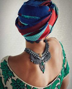 kiyanawraps:  Selita EbanksforDannijojewelry via theglamourai.com