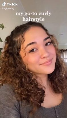 Curly Hair Styles Easy, Cute Curly Hairstyles, Curly Hair Tips, Curly Hair Care, Short Hair Styles, Shoulder Length Curly Hairstyles, Naturally Curly Hairstyles, Hairstyle For Curly Hair, Back To School Hairstyles