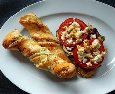 gratinierte Putenschnitzel griechische Art mit Schafskäse-Knusperstangen