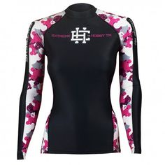 Longsleeve rashguard women TEDDY BEAR. Color: black with pink moro. Excellent quality rashguard HOBBY EXTREME is ideal for hard training people who appreciate the highest class of products. Made of high quality material, which, thanks to its flexibility, clings to the body. Sophisticated thermoregulation system by which the body is dry and the muscles warmed up. Sublimated logos (will not scratch).