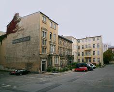 die besten 25 berlin galerie ideen auf pinterest berlin berliner mauer und berlin kunst. Black Bedroom Furniture Sets. Home Design Ideas