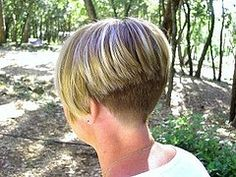 Short layered graduated bob with clipperd nape (untitled7 | by Enzo & Anna)
