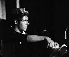 Oh my..... Niall are trying to kill us?! Niall Horan / One Direction