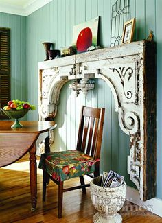 Eye For Design: Decorating With Architectural Salvage Corbels Decor, Home Diy, Architectural Salvage, Salvaged Decor, Diy Home Decor Projects, Home Decor, Architectural Pieces, Fireplace Surrounds, Corbels