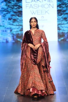 23 of the Best Bridal Looks from Lakme Fashion Week Winter/Festive 2016 Indian Attire, Indian Wear, Indian Outfits, Ladies Suits Indian, Indian Look, Dress Indian Style, Indian Designer Outfits, Designer Dresses, Designer Kurtis