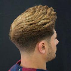 men's hairstyles 85 – Men's Hairstyles and Beard Models Mens Hairstyles Pompadour, Cool Hairstyles For Men, Undercut Hairstyles, Haircuts For Men, Pretty Hairstyles, Low Fade Haircut, Tapered Haircut, Medium Hair Styles, Short Hair Styles