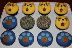 Agent Oso cupcakes!