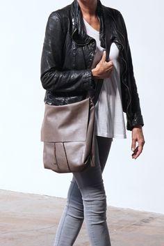 Image of Bolsa - Messenger Bucket Crossbody Bag - Elephant Gray