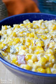 Delicious cream corn, loaded with bacon, leeks and poblano peppers. The perfect summer side dish.or make it for a meal all on its own!) A couple years ago, my Summer Side Dishes, Vegetable Side Dishes, Side Dish Recipes, Vegetable Recipes, Creamed Corn Recipes, Mexican Food Recipes, Cooking Recipes, Favorite Recipes, Yummy Food