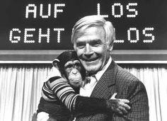 Joachim Fuchsberger (genannt Blacky) bei seiner Show Auf Los geht's los.'