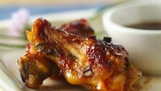 Maple syrup is the surprise that makes these chicken drummies finger-lickin' good!