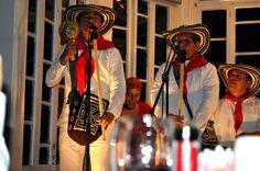Folclor con Altura: No te pierdas las noches de cultura y sabor que te trae el restaurante Santa Clara todos los jueves, para que disfrutes un cena con la mejor música colombiana.