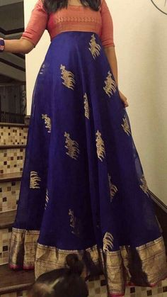 Oooh here's an idea to covert my old saree. Oooh here's an idea to covert my old saree. Saree Gown, Sari Dress, Anarkali Dress, Salwar Designs, Blouse Designs, Indian Gowns Dresses, Indian Outfits, Long Dress Design, Long Gown Dress