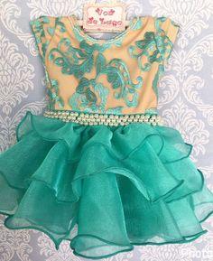 Vestido feito em tule bordado, e organza, aplicado em perolas.  Pode ser feito em qualquer tamanho e cor, a ser escolhido pelo cliente.