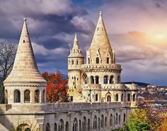 Várnegyed   Magyarország térkép és Google útvonaltervező Beautiful Castles, Beautiful Buildings, Bratislava, Prague, Budapest Travel Guide, Danube River Cruise, Park Hotel, Romanesque, Budapest Hungary