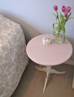 Pretty in pink!  #chalkpaint #painted #furniture #anniesloan #diy #shabbychic  www.facebook.com/2ndhomefurnishings/ Annie Sloan, Chalk Paint, Pretty In Pink, Home Furnishings, Painted Furniture, Shabby Chic, Facebook, Table, Diy