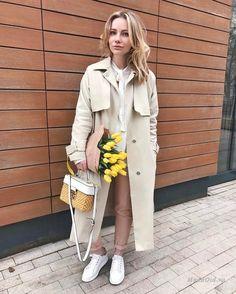 Уличная мода — весенние луки в пастельных оттенках от российской модницы