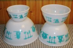 Vintage HAZEL ATLAS milk glass turquoise KITCHEN AIDS mixing BOWL SET bowls