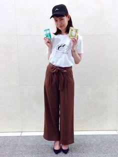 いつもご覧頂きありがとうございます。  8月7日までのイベント、「SHIPS SOUVEN!RS」を開催しております! 現代アーティストとして世界で活躍する加賀美健デザインのTシャツと とろみ感が綺麗なパンツとのミックスコーデで短い夏を楽しみませんか? 店内ではその他、こだわりのあるスタイリッシュなお土産物をラインナップ! ぜひこの機会にお立ち寄り下さい。  商品につきましては、下記品番にて...