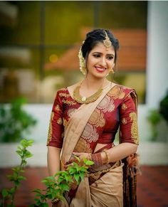 Saree Bride Wedding Southindianbride Brideinsaree Actressinsaree Weddingsaree Happy New Year Kerala Wedding Saree, Indian Bridal Sarees, Kerala Bride, Indian Bridal Outfits, Wedding Silk Saree, Indian Bridal Fashion, Bridal Sarees South Indian, Designer Sarees Wedding, Kerala Engagement Dress