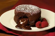 Dark Molten Chocolate Cakes A fail-proof recipe for rich delicious chocolate cakes with a chocolate lava at the centre. To help them separate easier from the souffle dishes I greased the dishes and Tags: Dark Chocolate Cakes, Chocolate Desserts, Chocolate Lava Muffins Recipe, Chocolate Cookies, Bakers Chocolate, Chocolate Souffle, Chocolate Protein, Chocolate Pudding, Chocolate Box