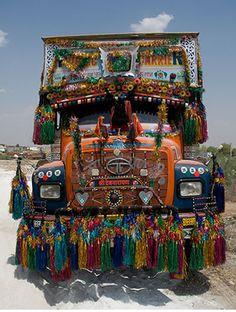 Google Image Result for http://www.thetruckersreport.com/truckingindustryforum/trucker-photos/images/29243/1_indian-truck-decoration.jpg