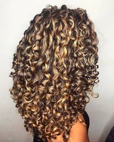 Curls Curls how to style short naturally curly hair - Natural Hair Styles Dyed Curly Hair, Curly Hair Styles, Colored Curly Hair, Curly Hair Tips, Curly Hair Care, Natural Hair Styles, Curly Girl, Highlights Curly Hair, Permed Hairstyles
