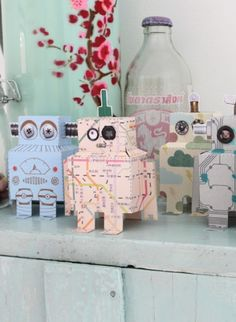set-de-mini-robots-en-papier