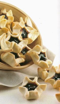 The Supreme: Fraule Italian Cookie Recipes, Italian Cookies, Italian Desserts, Sweet Desserts, Fruit Recipes, Sweet Recipes, Dessert Recipes, Biscotti Cookies, Yummy Cookies