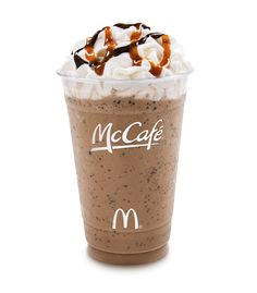 This is a low calorie McDonalds Frappe recipe from The Hungry Girl CHOCOLATE CHIP FRAPPE McDonald's Copycat Recipe 1 packet hot . Frappe Recipe Mcdonalds, Mcdonalds Recipes, Keto Mcdonalds, Mcdonalds Breakfast, Smoothies, Smoothie Drinks, Mcdonald's Restaurant, Restaurant Recipes, Iced Coffee