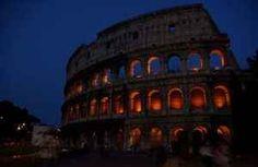 Colosseo: il suo nome deriva dal Demonio? L'anfiteatro Flavio sarebbe stato chiamato col più famoso nome di Colosseo solo a partire dall'epoca medievale, quasi certamente per il fatto che esso sorgeva vicino al luogo in cui anticamente si tr #colosseo #demonio #anticaroma