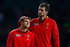 Probably the single most heartbreaking and cutest picture in rugby this year. Dan Biggar and Luke Charteris after their defeat against South Africa in the So much Love for these guys. Welsh Rugby Team, Welsh Football, Football Team, Rugby Pictures, Wales Rugby, Rugby World Cup, Rugby Players, South Africa, Adidas Jacket