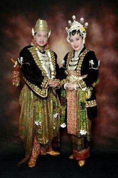 Jangan Menir Yogyakarta-couple Javanese Wedding, Yogyakarta, Bridal Makeup, Punk, Culture, Bride, Couples, Celebrities, Public