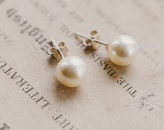 New to the collection these perfectly medium sized pearl stud earrings are casually elegant and ideal for the bride or indeed her bridesmaids. Pearl Earrings Wedding, Pearl Stud Earrings, Bridal Earrings, Bridal Jewelry, Hair Jewelry, Jewellery, Swarovski Pearls, Wedding Hair Accessories, Luxury Wedding