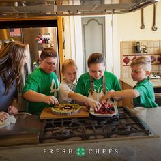 Get the 4-H Fresh Chefs Cookbook featuring recipes from our 4-H family. Download for free! New Recipes, Holiday Recipes, Cooking Recipes, Cooking With Kids, Cooking School, Cute Food Wallpaper, Kids Meals, Easy Meals, 4 H Club