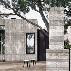 Elegant proportions and material repetition combine to give this extension tactile warmth. Brick Architecture, Contemporary Architecture, Brick Extension, White Brick Houses, Brick Detail, Coffee Shop Design, Brick Building, Interior And Exterior, Melbourne