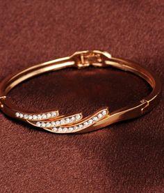 Rose Gold Crystal Bracelet #elegance #bracelets #festivefeel