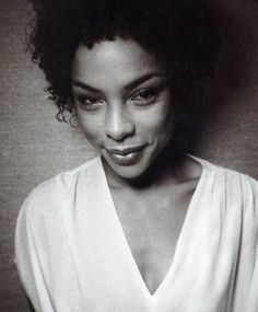 Sophie Okonedo rocked it in Hotel Rawanda.  Will the UK film and TV industry and Hollywood puleeez keep this woman busy!
