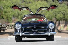 Unrestored or pristine? A tale of two Mercedes-Benz gullwings to ...